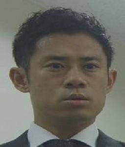 早瀬順一郎(はやせ じゅんいちろう):伊藤淳史(いとう あつし)