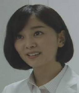 高島菜見子(たかしま なみこ):石橋杏奈(いしばし あんな)