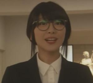 (新垣結衣・ガッキー)掟上今日子さんの黒髪のコスプレ姿の画像集7