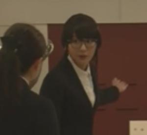 (新垣結衣・ガッキー)掟上今日子さんの黒髪のコスプレ姿の画像集6