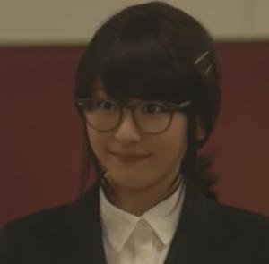 (新垣結衣・ガッキー)掟上今日子さんの黒髪のコスプレ姿の画像集4