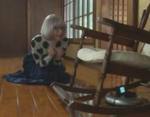 掟上今日子の備忘録第5話、ルンバに話しかける掟上今日子(新垣結衣・ガッキー)