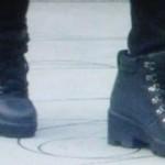 ドラマヒガンバナ来宮渚(堀北真希)の衣装-黒色ブーツ・靴1