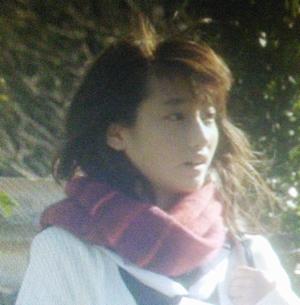 ヒガンバナ川島鈴遥(かわしまりりか)さん演じる女子中学校転入生の橘ひなた(たちばなひなた)