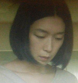 ヒガンバナ7話江口のりこ(えぐちのりこ)さん演じる女子中学教師の浜岡征一(はまおかせんせい)の元婚約者掛居沙保里(さおり)
