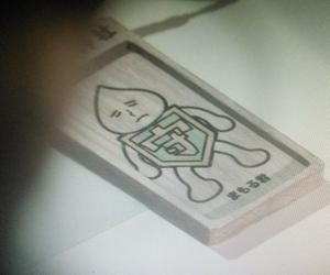 ヒガンバナ8話東野和也(市川知宏)からもらった伊東凛ちゃん(いとうりん)「まもるくん」ストラップ2