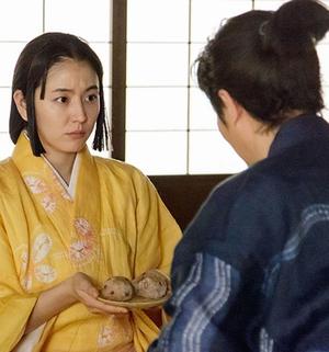 NHK大河ドラマ「真田丸」9話の合間には、「きり」が信繫のためにおにぎりの差し入れを持ってきますが・・・