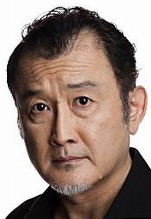 月9ドラマ好きな人がいることの東村了(ひがしむらりょう)役・役者は吉田鋼太郎(よしだこうたろう)有名な外食チェーン店の経営者
